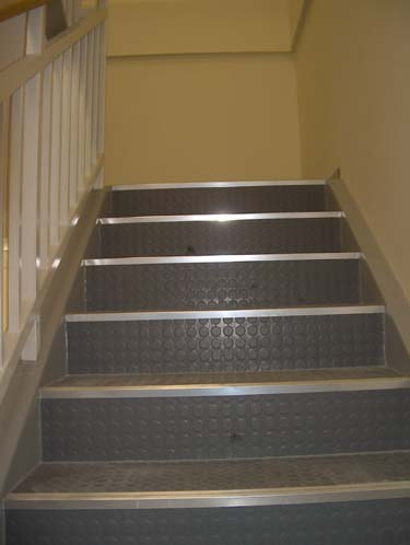 Gebrauchte innentreppe br stungsh he fenster k che for Gebrauchte mobel inserieren